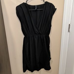 LBD Size 8 H&M with Pockets